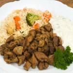 Pfannengyros und Reis mit Tzatziki